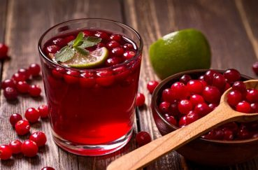 Amazing Health Benefits of Cranberry Juice for UTI, Cancer, and More