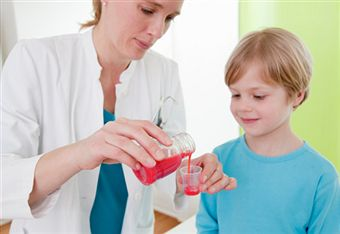 How Does Expectorant Cough Medicine Work? And What Its Side Effects?