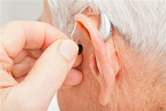 What Are the Typical Symptoms of Hearing Loss?